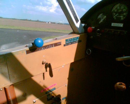 kraftstoffanzeige in flugzeug